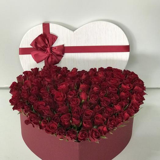 Коробка сердце из 51 розы