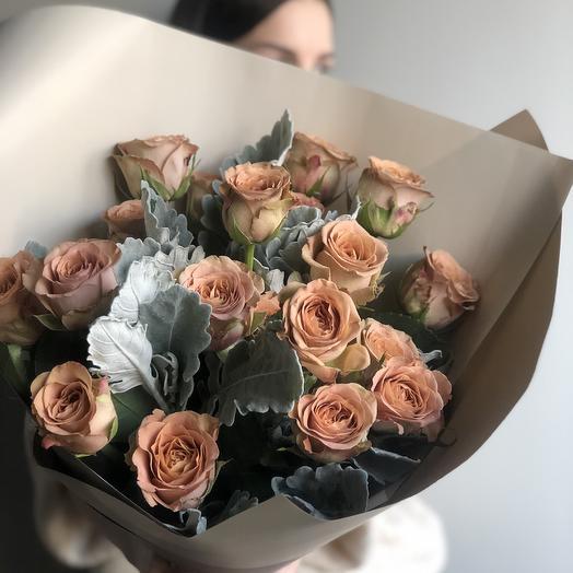 Нереальная Роза капучино и сенеция: букеты цветов на заказ Flowwow