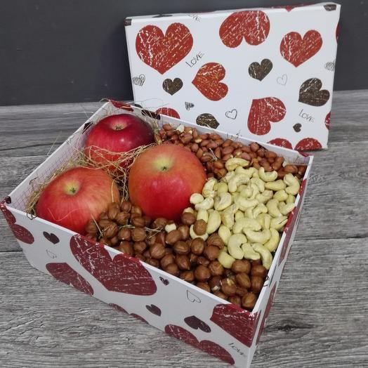Яблочно-ореховая коробочка