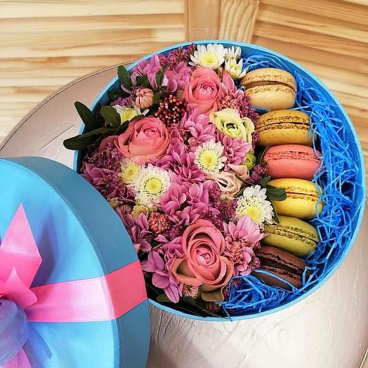 """Цветочная коробка с макарунсами """"Розовые грезы"""""""