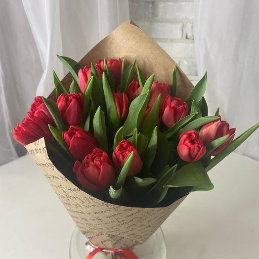 Моно букет из 19  Тюльпанов