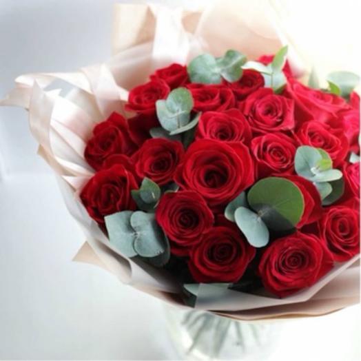 Букет из 25 красных роз, 40 см