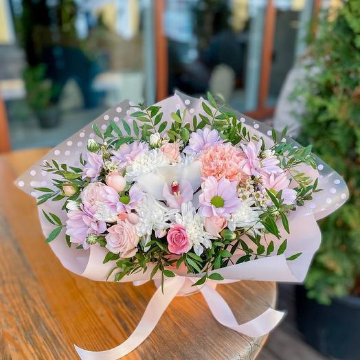 Сборный букет с орхидеей