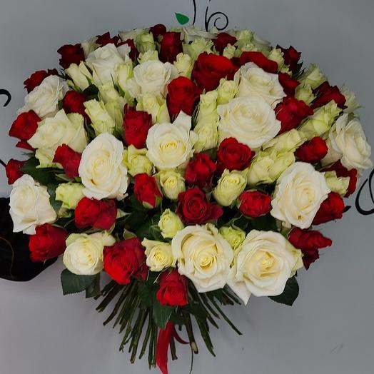 """Букет """"101 роза белая с красной"""""""