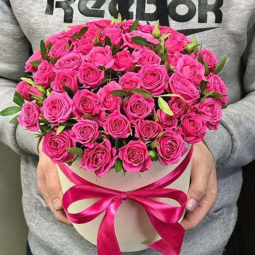 Малиновые кустовые розы