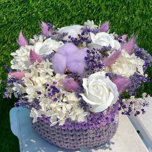 Уютная корзиночка с сухоцветами