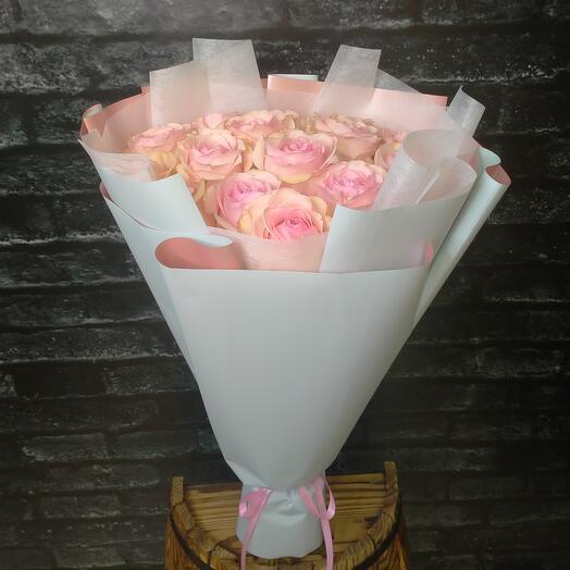 Моно-букет из Эквадорской розы Новиа 70см