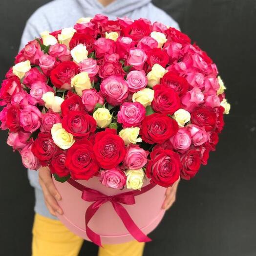 105 роз в коробке
