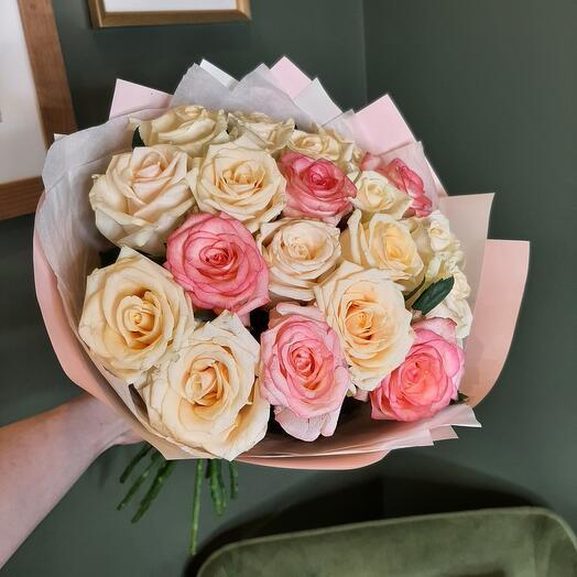 Букет с розами softness