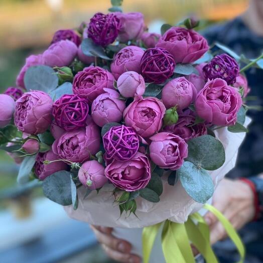 Роза пион в коробке