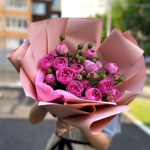 Букет пионовиднвх роз