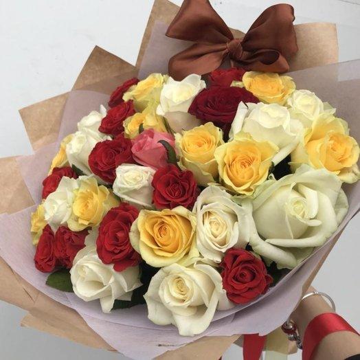 31 роза микс Яркость: букеты цветов на заказ Flowwow
