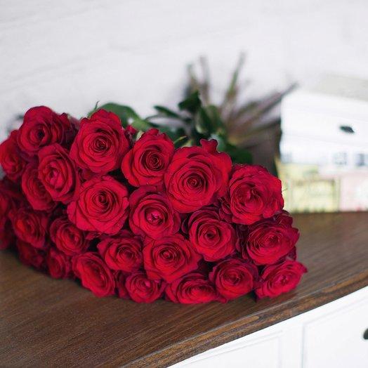 Букет из 25 роз «Checkmate»: букеты цветов на заказ Flowwow