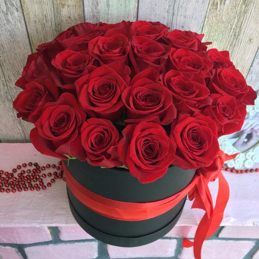Шляпная коробочка Страсть: букеты цветов на заказ Flowwow