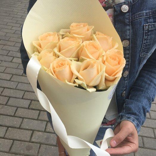 Первоклассные персиковые розы: букеты цветов на заказ Flowwow