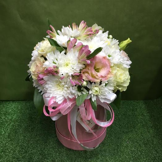 Маленькая коробка с цветами