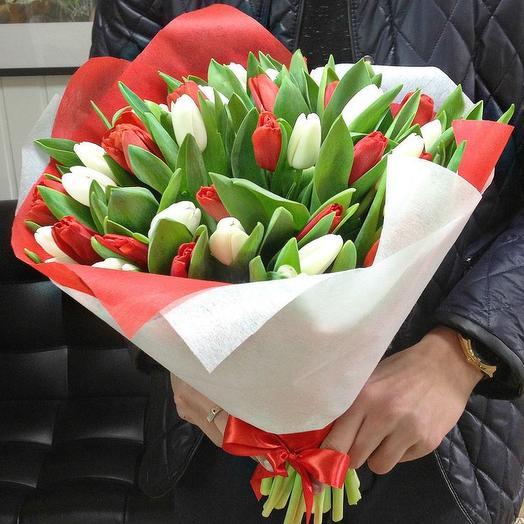 45 голландских тюльпанов: букеты цветов на заказ Flowwow