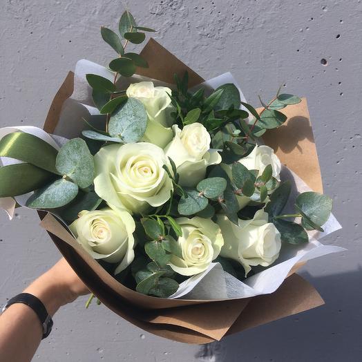 Белые розочки: букеты цветов на заказ Flowwow
