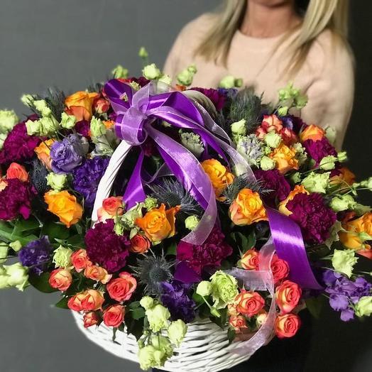 Яркая корзина: букеты цветов на заказ Flowwow