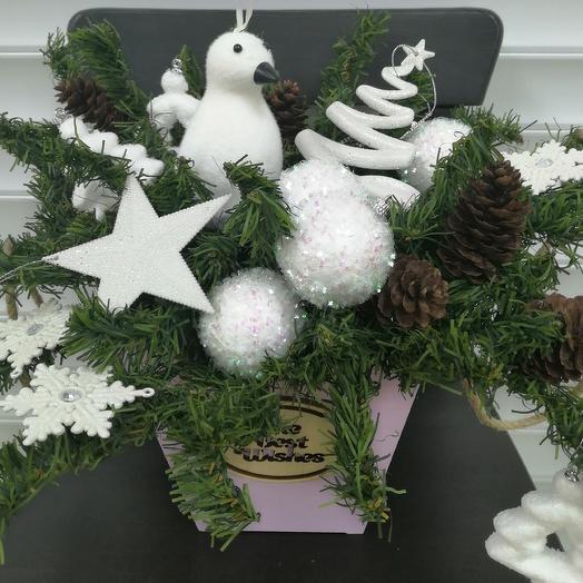 Новогодняя композиция Белый иней: букеты цветов на заказ Flowwow