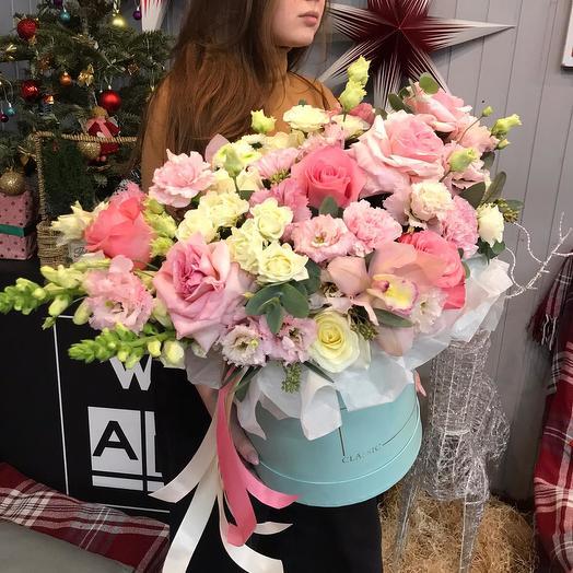 """Шляпная коробка цветов """"Парижанка"""""""
