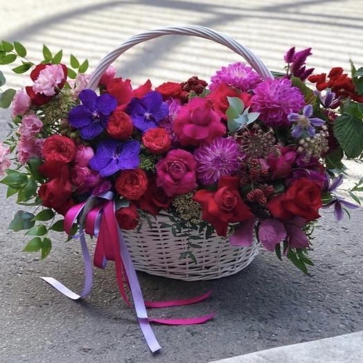 """Большая корзина цветов """"Яркая особа"""""""