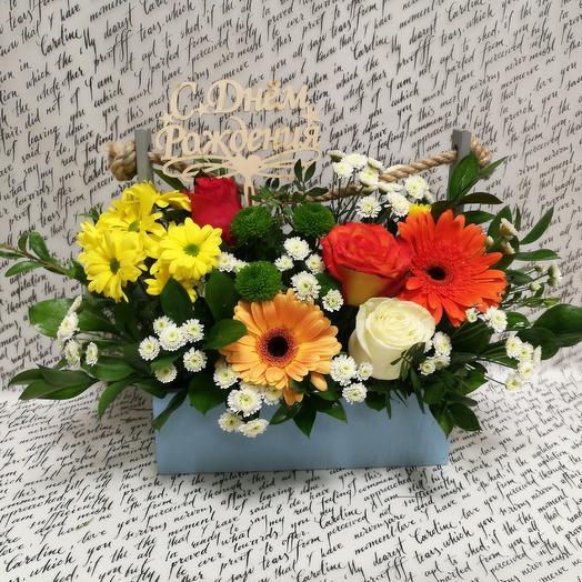 Ящик с цветочками: букеты цветов на заказ Flowwow
