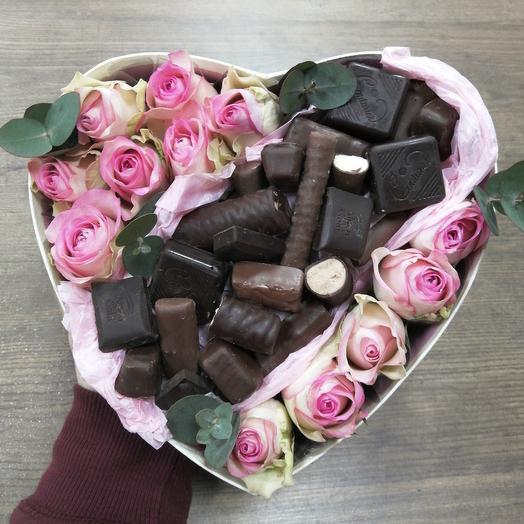 Розовое сердце с шоколадом