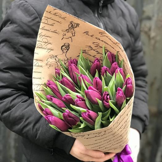 Букет из 25 фиолетовых тюльпанов: букеты цветов на заказ Flowwow