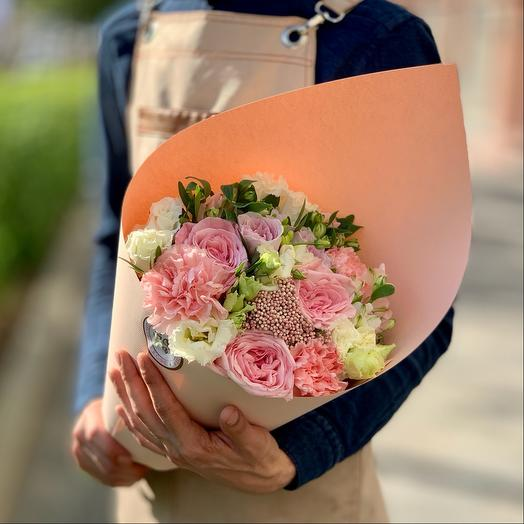 Букет из роз, альстромерий и диантуса
