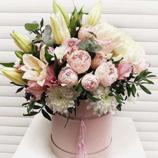 Коробочка с лилиями и хризантемами
