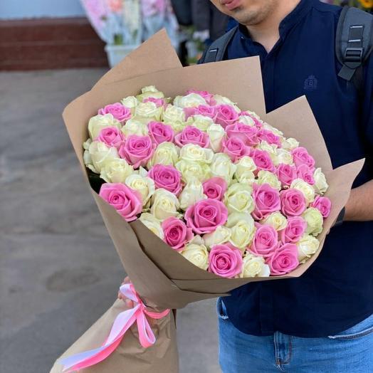 71 бело-розовая роза