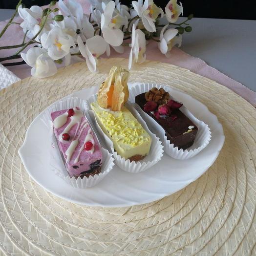 Набор raw-пирожных 3 шт