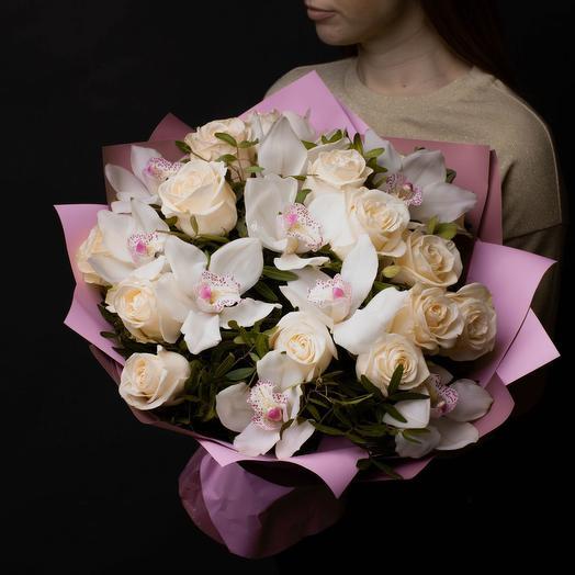 """Букет из роз и орхидей """"Розе"""""""