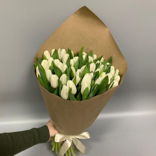 49 белых Тюльпанов в крафте