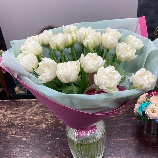 Пионовидные Белые тюльпаны
