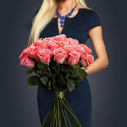 25 корраловых роз Эквадор