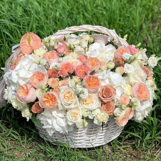 Корзина с цветами Luxury Flowers Летний Сад