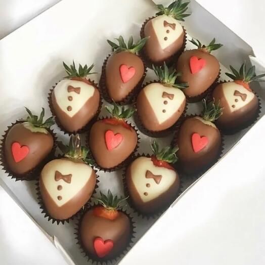 Клубника в шоколаде Влюблённый Джентельмен