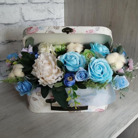 Цветы мыльные в чемоданчике