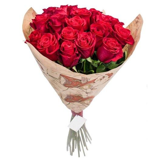 21 красная роза в крафте