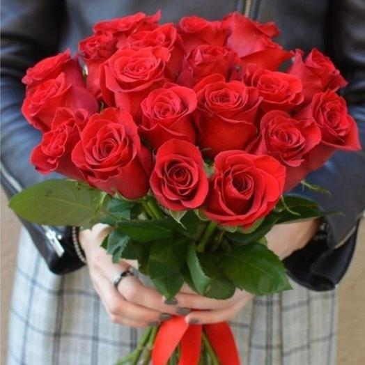 19 red roses with red silk ribbon: flowers to order Flowwow