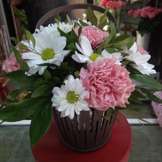 Корзинка радость: букеты цветов на заказ Flowwow