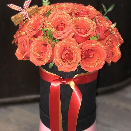 Розы в чёрной коробке: букеты цветов на заказ Flowwow