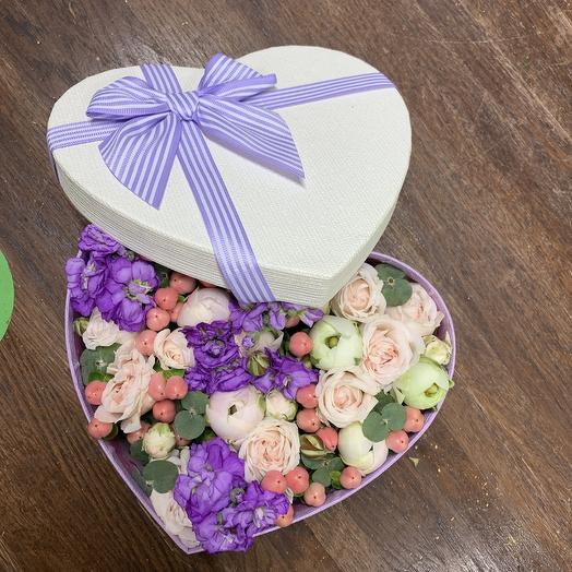 Цветочное сердечко: букеты цветов на заказ Flowwow