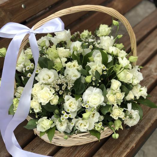 Корзина «Белоснежка»: букеты цветов на заказ Flowwow
