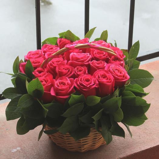 До 23 роз премиум в корзине: букеты цветов на заказ Flowwow