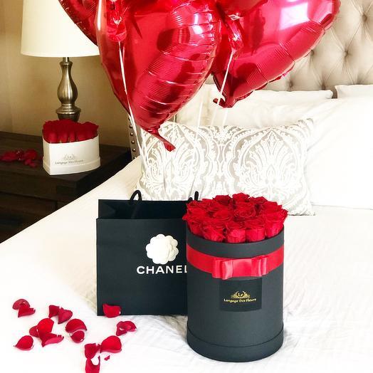 Medium black box with red roses is Eternal: flowers to order Flowwow