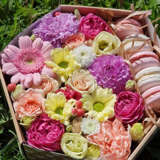 Сота с макарони 14 февраля: букеты цветов на заказ Flowwow