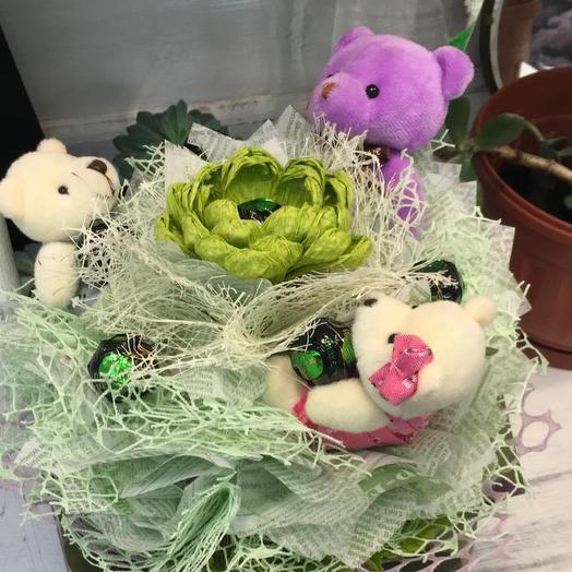 Мишки на лужайке: букеты цветов на заказ Flowwow